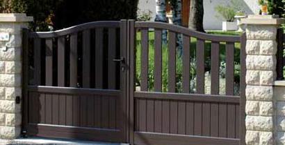 ouverture de portail automatique perfect gallery of ouvrir un portail avec un bouton poussoir. Black Bedroom Furniture Sets. Home Design Ideas